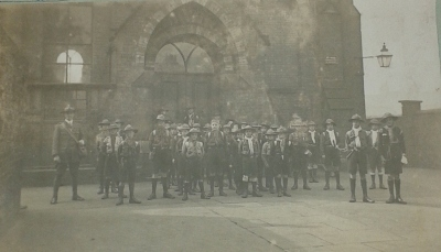 Scout School at Brook St, The Groves 1914