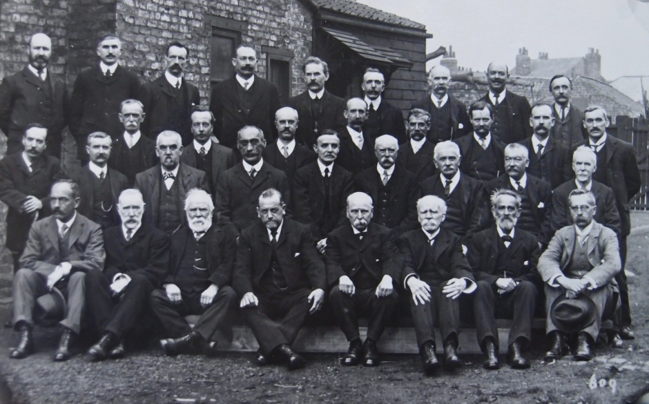 Photograph of employees at T E Cooke, Bishophill, taken in 1912 (Courtesy Borthwick Institute)